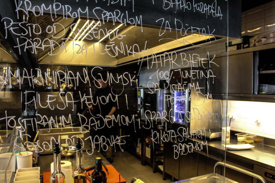 Druga_Piazza_Italijanski_restoran_07